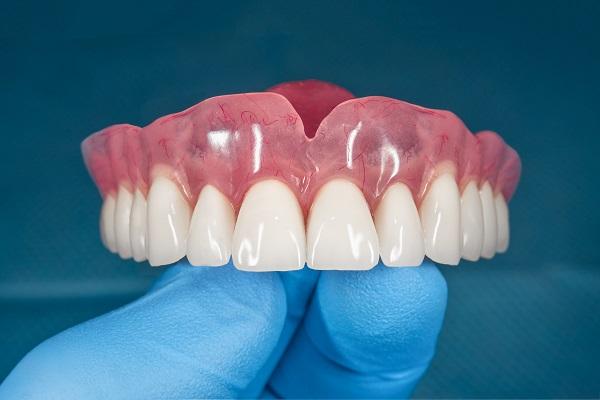 Protez Diş Neden Yapılır?